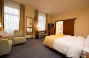 Classic Doppelzimmer im Oranien Hotel & Residences Wiesbaden 2