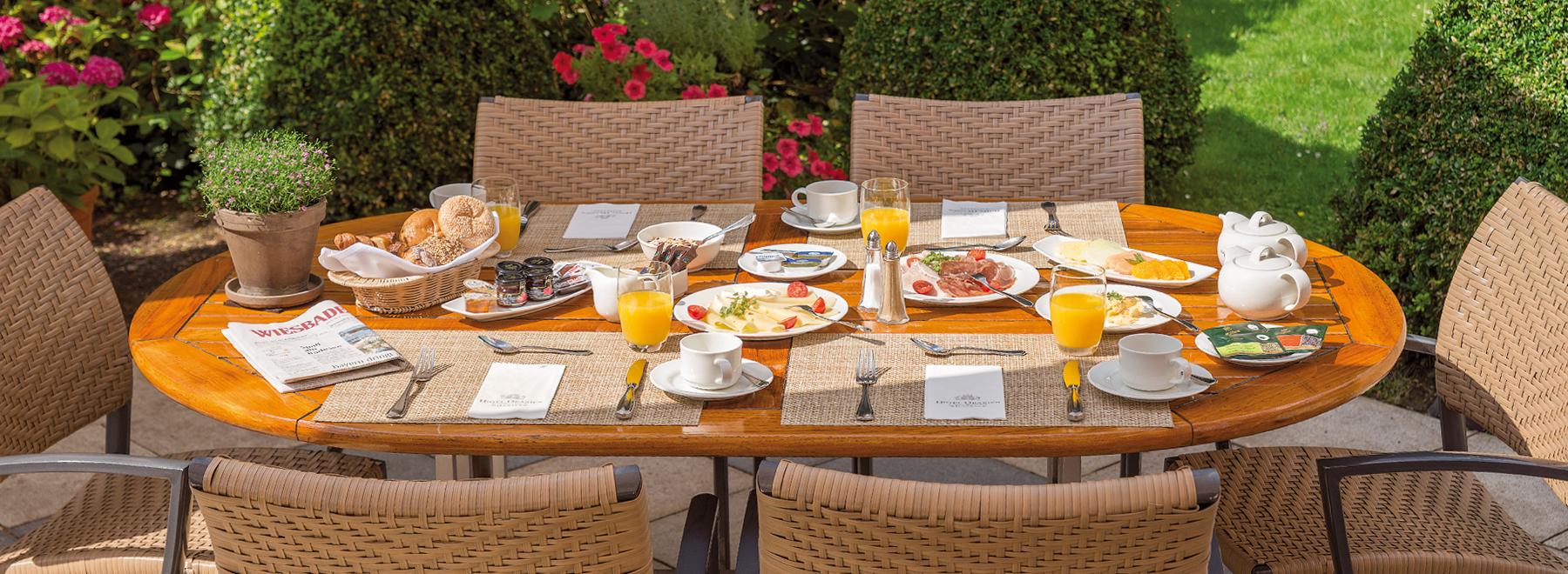 fr hst ck in wiesbaden oranien hotel residences. Black Bedroom Furniture Sets. Home Design Ideas