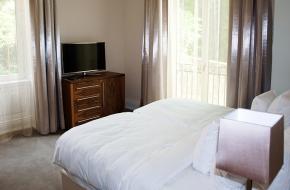 Schlafzimmer im Superior Apartment im Oranien Hotel & Residences Wiesbaden