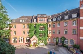 Das Oranien Hotel & Residences in Wiesbaden bei Tag